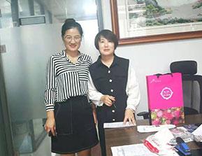 济南网络推广客户签约现场